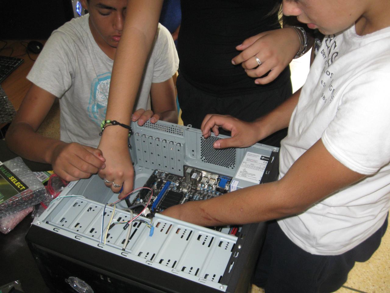 Assembler un PC c'est facile pour les 4èmes