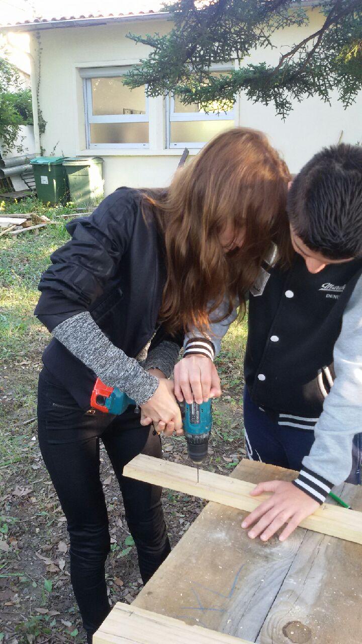 Atelier «fabrication de jeux en bois» dans le cadre du module Découverte Professionnelle.